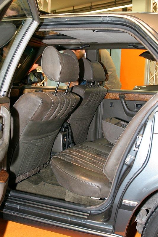 BMW 745iA, Rücksitzbank