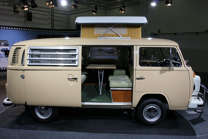 VW T2 Selbstbau mit Westfalia Hubdach auf der Techno Classica 2008