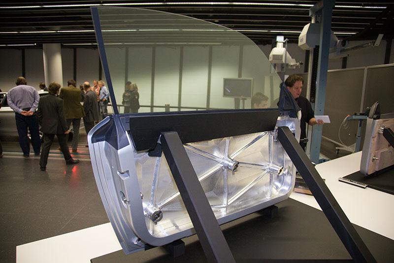 exemplarisches Modell einer BMW 5er-Tür, aus Alumium gefrässt