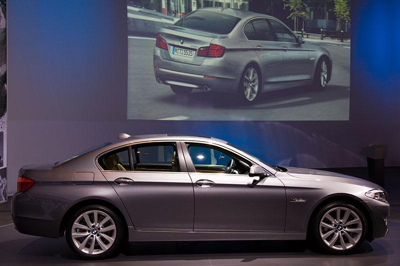 BMW 530d im Studio des FIZ
