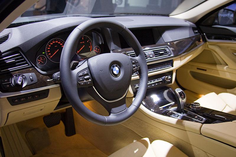BMW 530d (F10), Cockpit