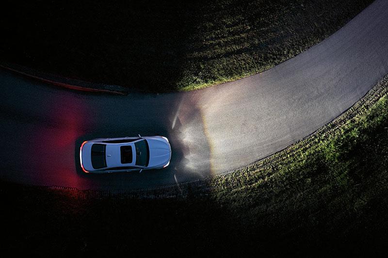 BMW 5er Limousine, Adaptives Kurvenlicht