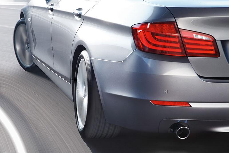 Die neue BMW 5er Limousine, Integral-Aktivlenkung