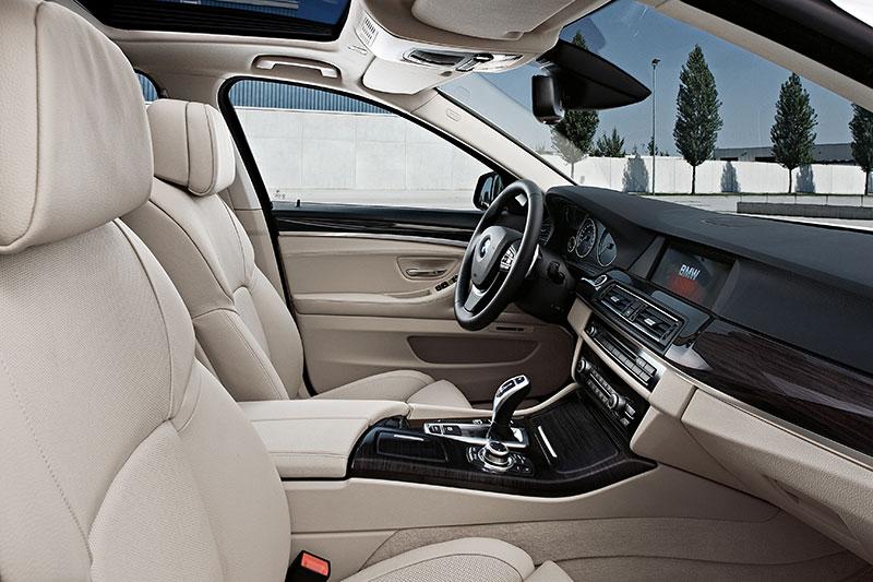 BMW 5er Limousine (Modell F10), Interieur