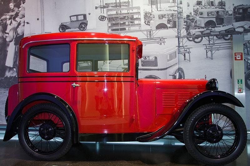 Dixi 3/15 PS, das erste BMW Automobil, Bauzeit: 1927-29, 4-Zyl.-Reihenmotor, Hubraum: 728 ccm, 15 PS, vmax: 75 km/h