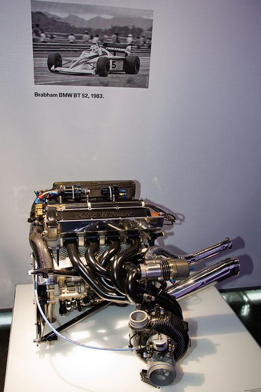 BMW Formel 1 Rennmotor M12/13, Bauzeit: 1981-85, 4-Zyl.-Reihenmotor, Hubraum: 1.499 ccm, 450 Nm bei 8.500 U/Min., 630-790 PS bei 11.000 U/Min.