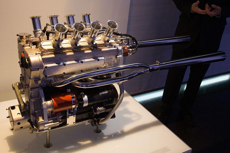 BMW Formel 2 Rennmotor M10, Bauzeit: 1966-67, 4-Zyl.-Reihenmotor, Hubraum: 1.990 ccm, 236 Nm bei 8.000 U/Min., 260 PS bei 8.500 U/Min.