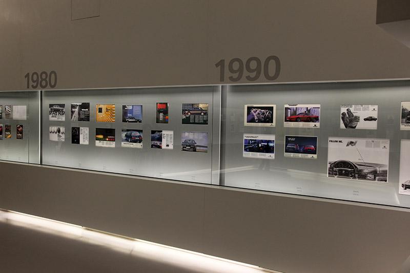 BMW Prospekte Ausstellung im BMW Museum