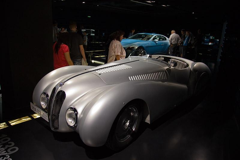 BMW 328 Mille Miglia, Baujahr 1939, Stückzahl: Unikat, 6-Zyl.-Reihenmotor, Hubraum: 1.971 ccm, 130 PS, 200 km/h