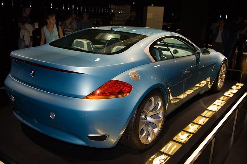 Der BMW Z9 GT bedeutet für BMW den Aufbruch in eine neue Designzeit. Er ist Wegbereiter für die großen Limousinen und Coupés des neuen BMW Designspektrums.