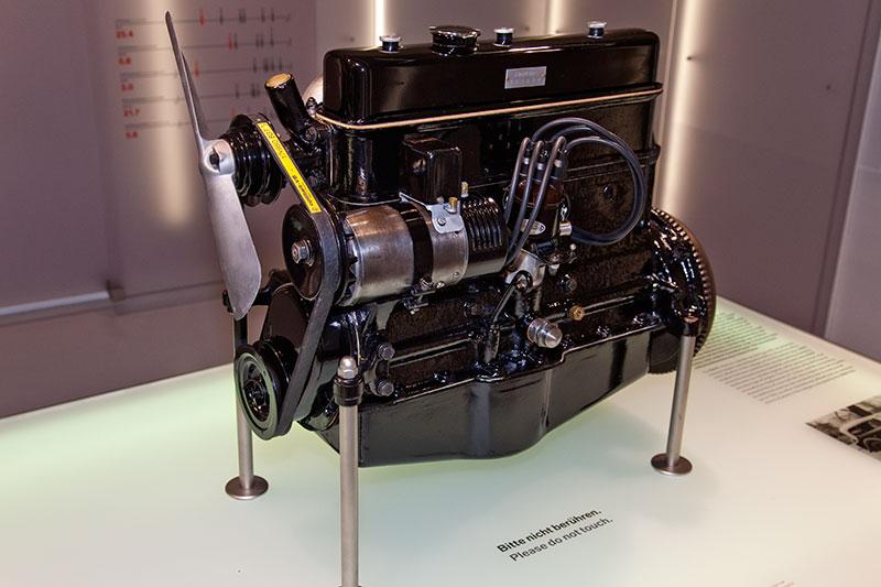 BMW M78 Motor, Bauzeit: 1933-34, verbaut z. B. im BMW 303, Hubraum: 1.182 ccm, 30 PS bei 4.000 U/Min., 67.7 Nm bei 2.000 U/Min.
