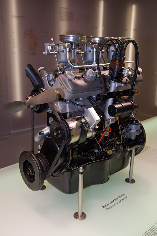 BMW M328 Motor, Bauzeit: 1936-40, verbaut z. B. im BMW 328, Hubraum: 1.971 ccm, 80 PS, 127.5 Nm bei 3.500 U/Min.