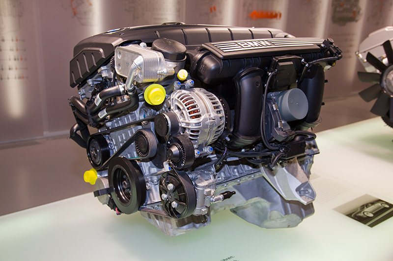 BMW N52 Motor, seit 2004, z. B. verbaut im BMW 630i, 6-Zyl.-Reihenmotor, Hubraum: 2.996 ccm, 258 PS bei 6.600 U/Min., 300 Nm bei 2.500-4.000 U/Min.