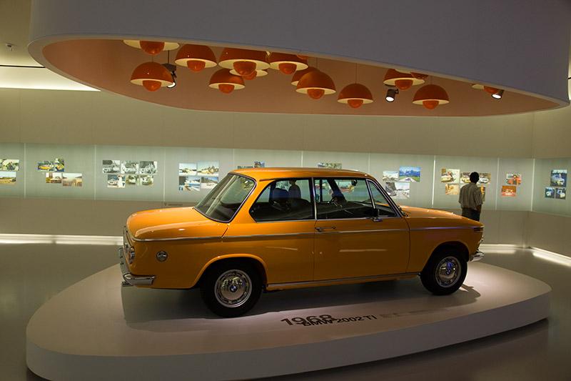 BMW 2002 ti, Bauzeit: 1968-1971, Stückzahl: 16.448, 4-Zyl.-Reihenmotor, 120 PS bei 5.500 U/Min., vmax: 185 km/h