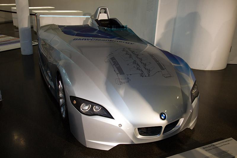 BMW H2R, angetrieben von Wasserstoff, hat 9 Weltrekorde mit Wasserstoff aufgestellt