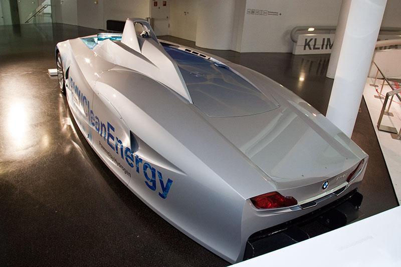 BMW H2R, angetrieben von Wasserstoff, hat 9 Weltrekorde mit Wasserstoff aufgestellt, im Ausstellungsbereich 'Visionen'