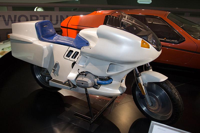 BMW Futuro, Baujahr 1980, entstanden in Kooperation mit Rainer Buchmann, 2-Zyl.-Boxermotor, Hubraum: 785 ccm, 75-80 PS, vmax: > 200 km/h