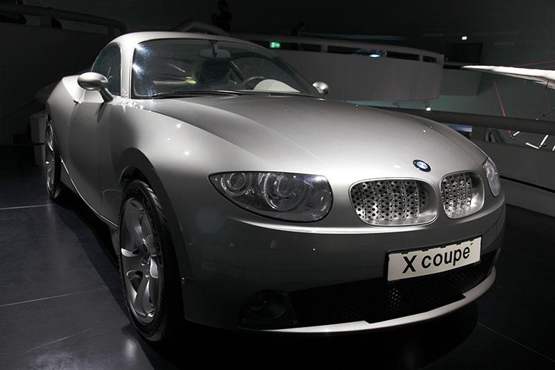 BMW Concept X Coupé 2001, neues Fahrzeugkonzept mit revolutionärer Formensprache, konvexkonkave Oberflächen