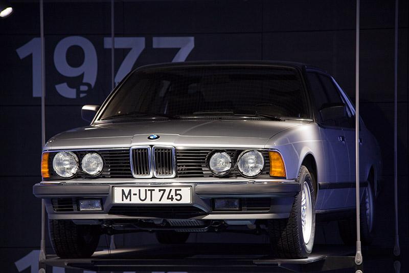 BMW 745i (E23) aus dem Jahr 1977 im BMW Museum