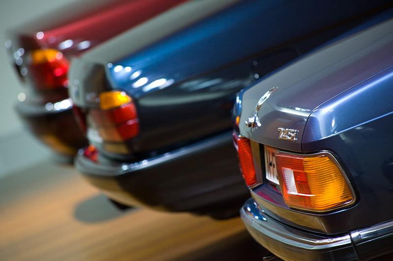 BMW 745i (E23, vorne), BMW 750i (E32) und BMW 730d (E38)