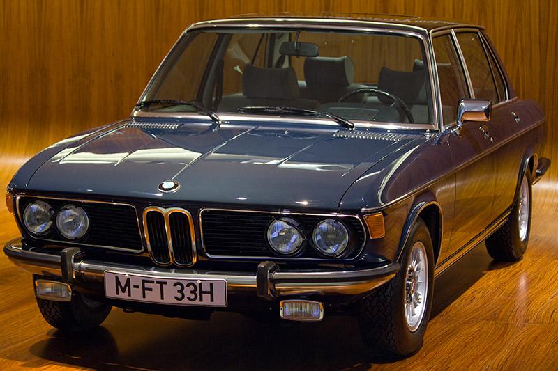 BMW 3,3 Li, Bauzeit: 1975-77, Stückzahl: 1.401, 6-Zyl.-Reihenmotor, Hubraum: 3.201 ccm, 200 PS bei 5.500 U/Min., vmax: 208 km/h