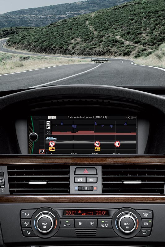 Forschungsprojekt 'Intelligente lernende Navigation' - elektronischer Horizont