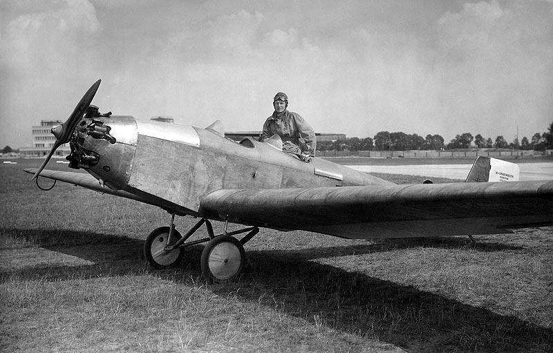 Sportflugzeug Klemm L 25 mit Flugmotor BMW X bzw. BMW Xa