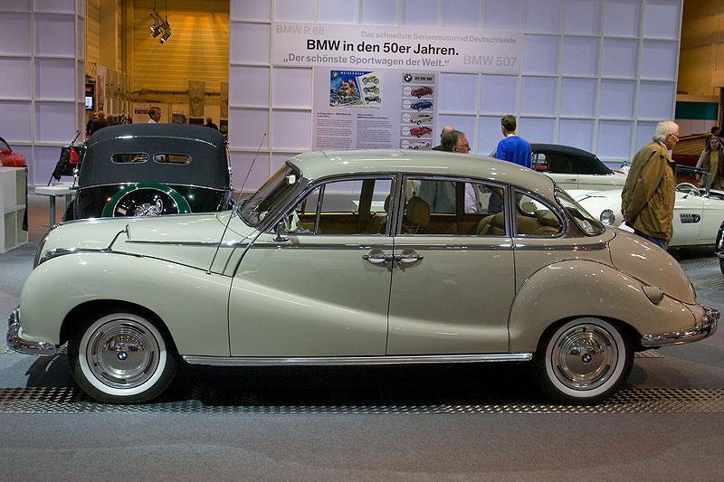 BMW 2600 L auf der Techno Classica 2009 in Essen