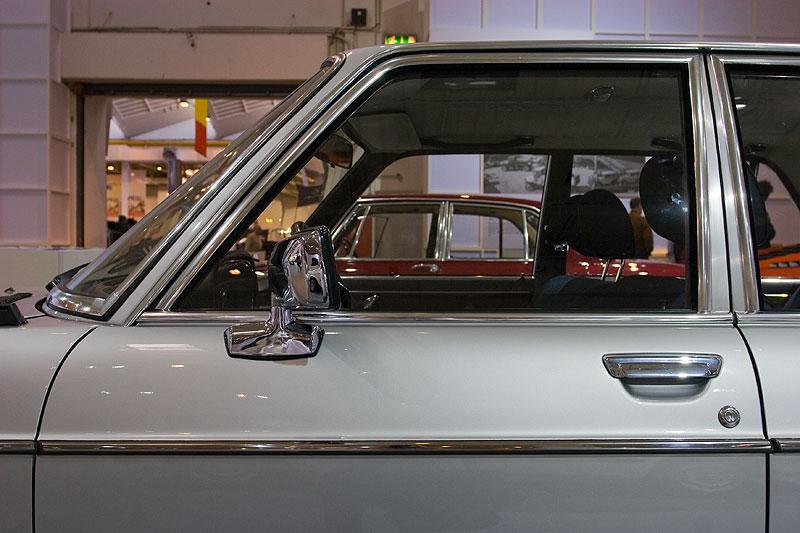 BMW 3,0si auf der Techno Classica 2009 in Essen