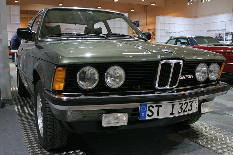 BMW 323i auf der Techno Classica 2009 in Essen