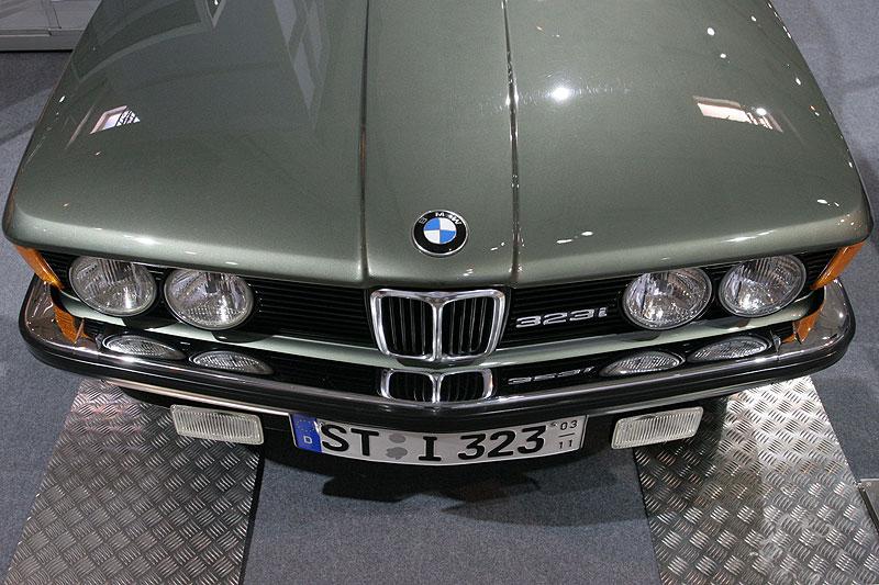 BMW 323i, Front