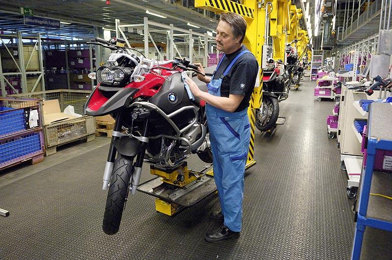 BMW Werk Berlin Finishband