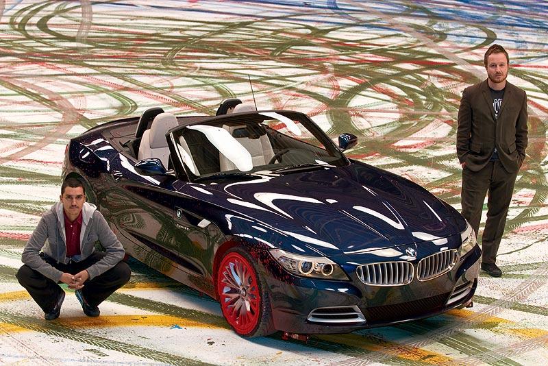 BMW Z4 - An Expression of Joy, Künstler Robin Rhode (links), Regisseur Jake Scott