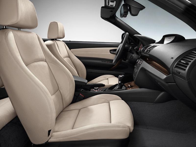 BMW 1er Cabrio, Frontsitze