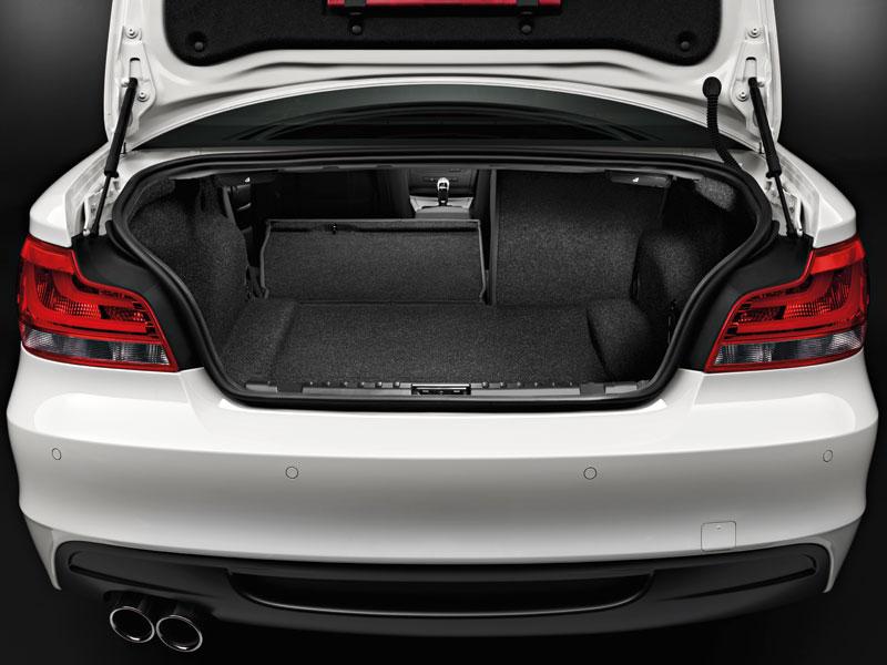 BMW 1er Coupé, Rücksitze geteilt umgeklappt