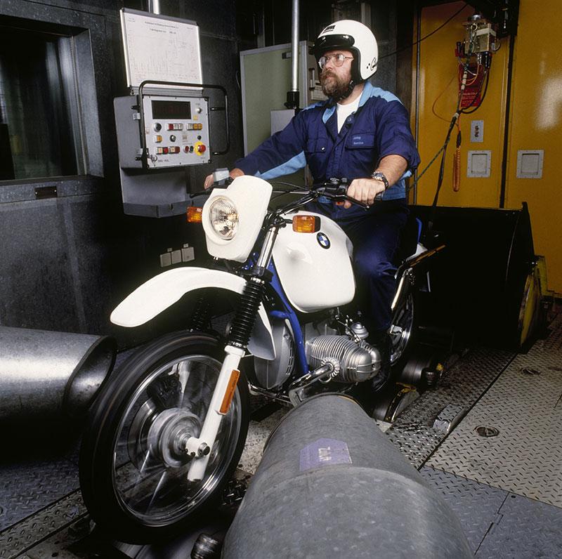 BMW R 80 GS Basic auf dem Rollenprüfstand - Endmontage im Werk Berlin