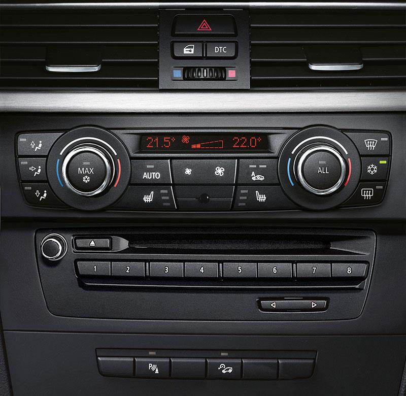 BMW 3er Cabrio (E93) und 3er Coupé (E92), Faceliftmodelle, Jahrgang 2010, Klimaanlage