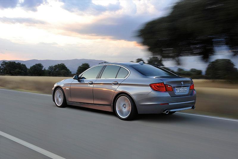 25 Jahre Allradantrieb bei BMW: BMW 5er Limousine (Modell F10), mit xDrive lieferbar