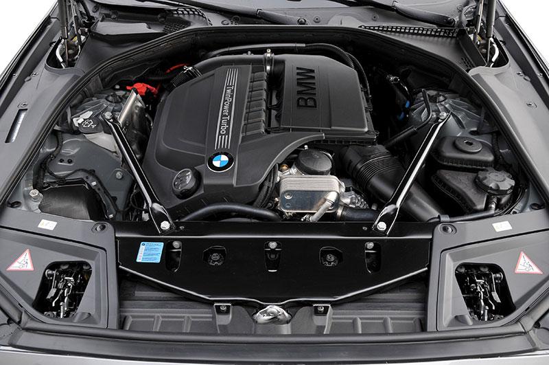 BMW 535i, Modell F10, ab 2010, Motorraum