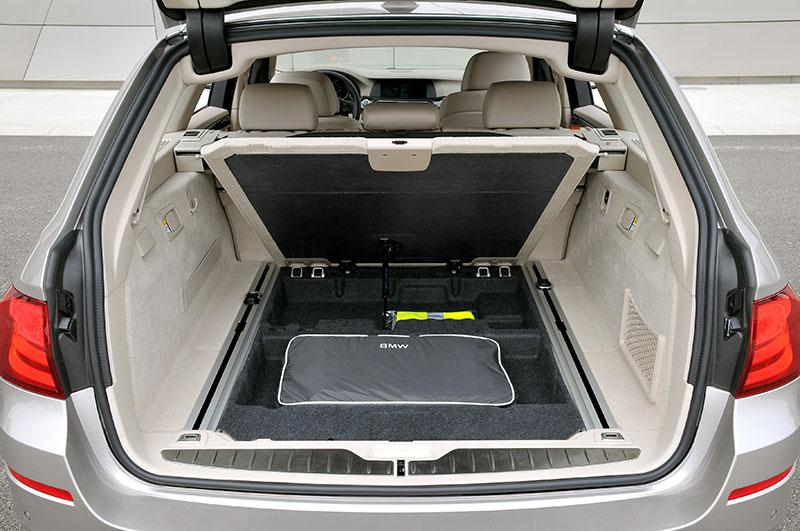 foto bmw 520d touring modell f11 kofferraum vergr ert. Black Bedroom Furniture Sets. Home Design Ideas