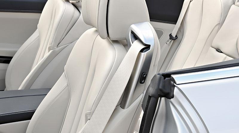 BMW 6er Cabrio (Modell F12), neue Leichtbau-Sitze mit integriertem Gurtsystem und crashaktiven Kopfstützen
