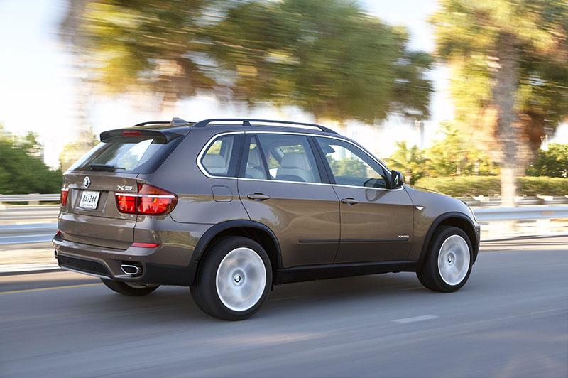 25 Jahre Allradantrieb bei BMW: BMW X5 (Modell E70, Facelift), serienmäßig mit xDrive