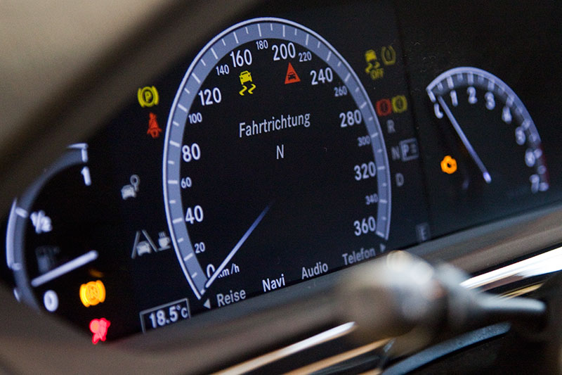 Brabus iBusiness, Tachometer bis 360 km/h, schnellste Luxus-Limousine der Welt