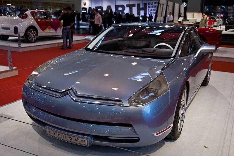 Citroën C-Airdream, Studie eines 2+2 Coupés, das an den legendären SM der 1970er Jahre erinnert.