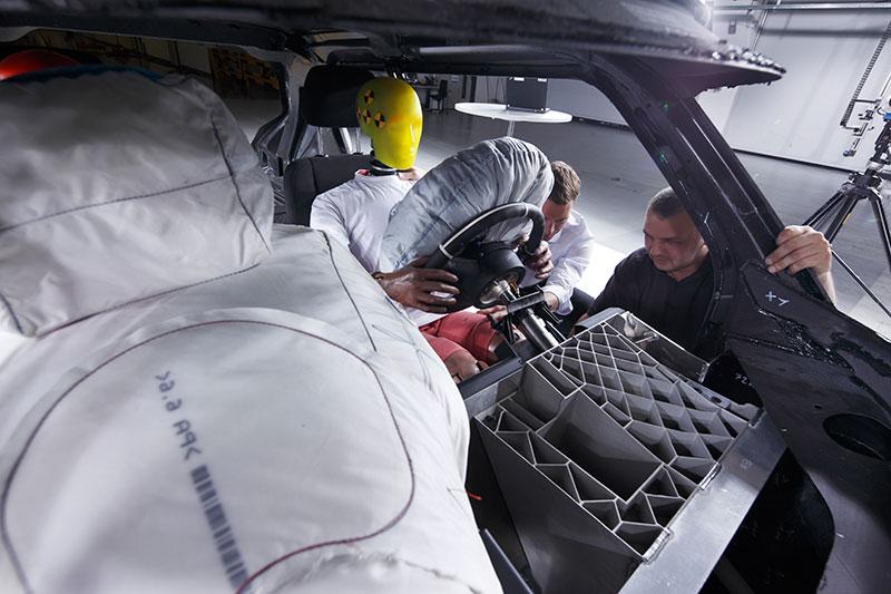 Erprobungsträger mit CFK-Fahrgastzelle