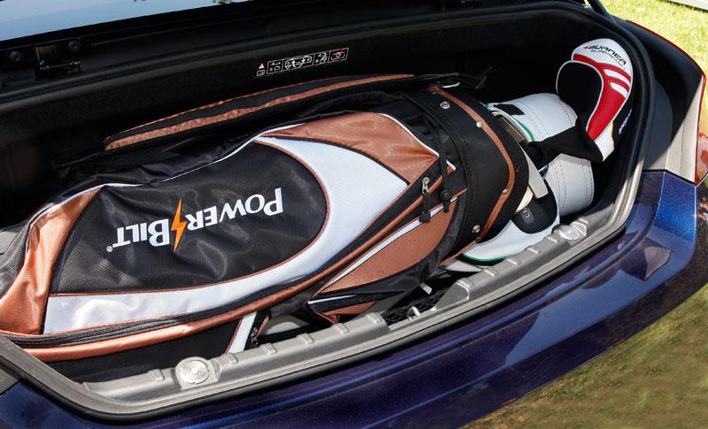 Foto Bmw 650i Individual Cabrio Kofferraum Mit Golf Bag Vergr 246 223 Ert