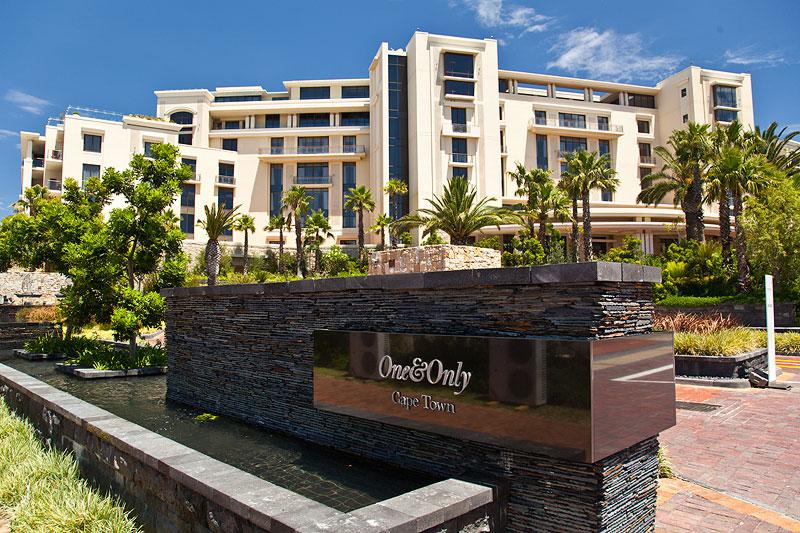 Haupteingang des Hotels The One And Only in Kapstadt, gesehen von der Dock Road.