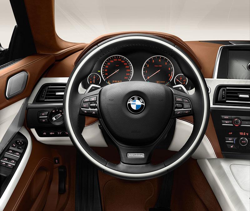 Das neue BMW 6er Gran Coupé, Interieur: BMW Individual Edelholzausführung Esche maser weiß