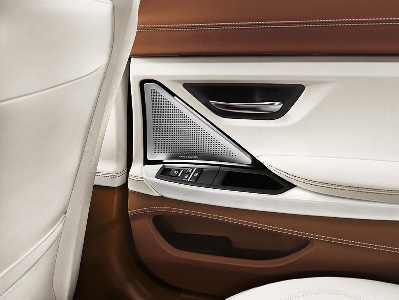Das neue BMW 6er Gran Coupé, Interieur: BMW Individual Volllederausstattung Opalweiß mit Amarobraun, Bang und Olufsen High End Surround Sound System