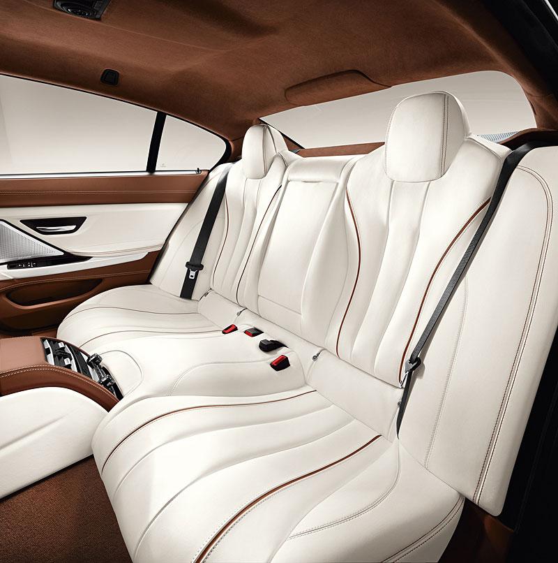 Das neue BMW 6er Gran Coupé, Interieur: BMW Individual Volllederausstattung Opalweiß mit Amarobraun